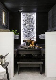 Which mirror to choose for my bathroom? Scandinavian Saunas, Piscina Spa, Spas, Sauna Shower, Sauna Design, Outdoor Sauna, Finnish Sauna, Inside A House, Sauna Room