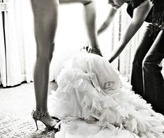 Sexy wedding shoe picture!