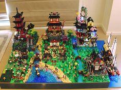Lego Ninjago City, Lego City, Lego Tree House, Lego Movie Sets, Lego Sculptures, Lego Display, Lego Pictures, Lego Construction, Lego Modular