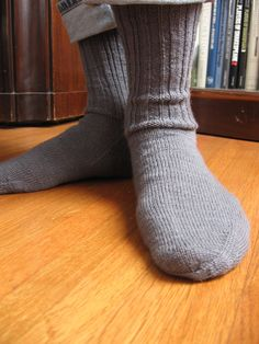 knit ribbed ankle socks: Good for men or women