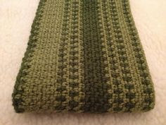 Ravelry: Project Gallery for Men's Scarf pattern by Suzanne Resaul