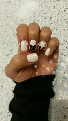 Disneyland nails. Minnie mouse, mickey mouse. Black and white nails.
