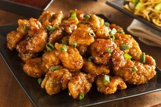 Panda Express Orange Chicken Copycat -- Fast Food Hacks: 17 Top Copycat Recipes : i The Dish by KitchMe Poulet General Tao, Panda Express Orange Chicken, Express Chicken, Panda Express Fried Rice, Asian Recipes, Healthy Recipes, Easy Recipes, Atkins Recipes, Skinny Chicken