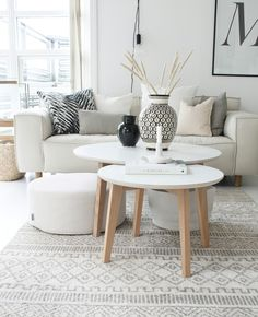 Idylloghim - Lilly is Love Beige Sofa Living Room, Nordic Living Room, Living Room Redo, Living Room Decor Cozy, Rugs In Living Room, Living Room Designs, Living Room Inspiration, Home Decor Inspiration, Living Furniture