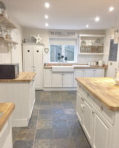 Home sweet Home quick clean around the kitchen before back to my painting think its going to be a long night trying to keep on top of my orders #kitchen #kitchendecor #kitcheninspo #kitchendesign #countrykitchen #slatefloor #kitchenisland #oakworktops #kitchensofinstagram #interiordecor #interior4you1 #actualinstagramhomes #interiorstyling #interiorinspo