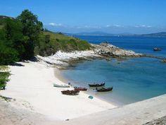 Destinos de ensueño: La Isla de Ons: Playas y rutas