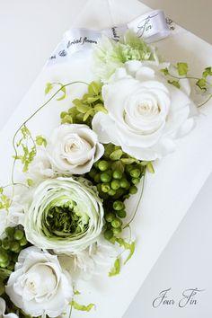 Flower Arrangement Designs, Modern Flower Arrangements, Artificial Flower Arrangements, Artificial Flowers, Plant Art, How To Preserve Flowers, Flower Boxes, Flower Crafts, Fresh Flowers
