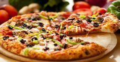 The pizza of Cosa Nostra Pizzeria is best in Lahore. Many of the people go there and enjoy delicious Italian meal but pizza is the most appealing among all food items. Pizza of this restaurant is very yummy and also the choice of many people of Lahore. Neapolitanische Pizza, Pizza Food, Pizza Dough, Chicken Pizza, Pizza Games, Polenta Pizza, Pizza Pastry, Gourmet Chicken, Local Pizza