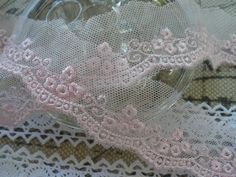 "White//Navy Blue 3/"" Broderie Anglaise Trimming White//Pink White//Rainbow"