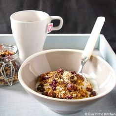 Easy Homemade Granola with Coconut*