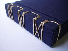 Japanese binding with cord - Encadernação Japonesa em forma de caixa by…