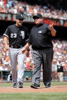Chicago White Sox manager Robin Ventura, MLB Third base umpire Fieldin Culbreth