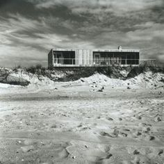 Richard Meier (b. 1934) | Saul Lambert Residence | Eastwalk, Lonelyville – Fire Island, NY | 1962