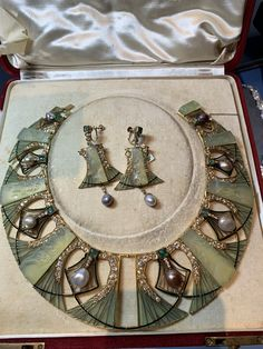 Vintage Jewelry Art Deco Pearl Diamond New Ideas Bijoux Art Nouveau, Art Nouveau Jewelry, Jewelry Art, Jewelry Design, Jewellery Box, Diamond Jewellery, Damas Jewellery, Accessories Jewellery, Jewellery Shops