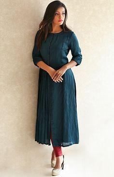Indian Fashion Dresses, Dress Indian Style, Indian Designer Outfits, Designer Dresses, Simple Kurta Designs, Kurta Designs Women, Kerala Saree Blouse Designs, Kurtha Designs, Long Dress Design