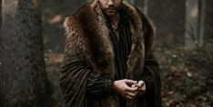 Gryn's Halcyon wear Story Inspiration, Writing Inspiration, Character Inspiration, High Fantasy, Medieval Fantasy, Eddard Stark, The Witcher, The Villain, Winter Is Coming