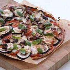 Sienipizza - Reseptit - Ilta-Sanomat Mozzarella, Vegetable Pizza, Quiche, Vegetables, Breakfast, Food, Morning Coffee, Essen, Quiches