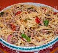 Pasta con tonno fresco, ricetta siciliana