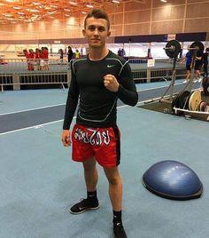 Zoran Milic är en professionell kampsportare med erfarenhet från landslag i kampsport.