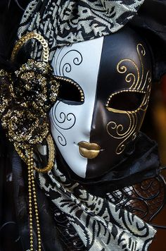 How To Host A Masquerade Ball #masquerade #party