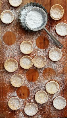 Caramel, Macadamia, White Chocolate Tart Crust with Confectioner Sugar by Naomi of Bakers Royale