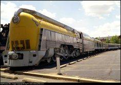 Streamlined locomotive
