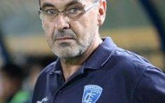 L'allenatore del Napoli. Ci siamo, ecco chi e` Il Napoli ha scelto il suo allenatore: Maurizio Sarri e` vicinissimo a diventare il nuovo tecnico del club partenopeo. L'ex allenatore dell'Empoli e` stato visto cenare con il presidente De Laurentii #napoli #sarri