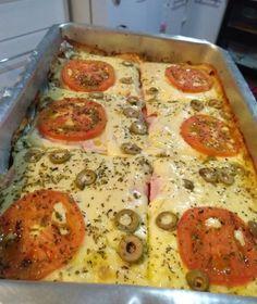 Pizza de Pão de Forma Mini Pizzas, Carne, Cake Pops, Vegetable Pizza, Quiche, Good Food, Bread, Snacks, Breakfast