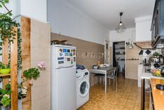 Apartamento / Lisboa, Alameda D. Afonso Henriques / Venda / Ref. Washing Machine, Portugal, Home Appliances, Exterior Cladding, Metro Station, Townhouse, House Appliances, Domestic Appliances