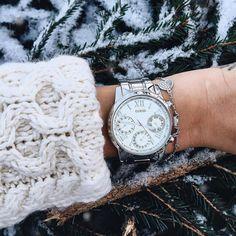 Winter wonderland ❄⌚️ Link in bio to shop the Silver-Tone Feminine Classic Sport Watch #LoveGUESS