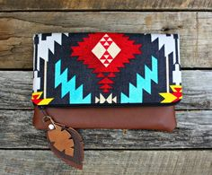 Aztec Navajo Foldover Clutch / Ethnic Tribal by SweetPeaTotes Tribal Style, Tribal Mode, Moda Tribal, Foldover Clutch, Navajo Fabric, Best Leather Wallet, Ethnic Bag, Creation Couture, Boho Bags