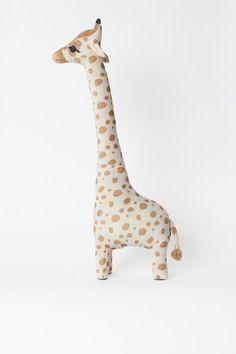 Grande peluche - Beige/girafe - Home All Giraffe Stuffed Animal, Giraffe Toy, Stuffed Animals, H&m Home, Kids Bedroom Furniture, Baby Kind, Animal Nursery, Kids Decor, Cool Toys