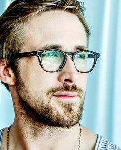 we all need pictures of Ryan Gosling! Style Ryan Gosling, Ryan Gosling Glasses, Gorgeous Men, Beautiful People, Ryan Thomas, Fotografia Tutorial, Mens Glasses, Fine Men, Men's Grooming