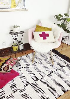 Black-and-white-striped-rug