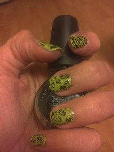 Negro sobre verde Class Ring, Nail Art, Nails, Jewelry, Green, Black People, Finger Nails, Jewellery Making, Jewlery