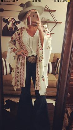 summer outfits with cowgirl boots best outfitsYou can find Country outfits and more on our website.summer outfits with cowgirl boots best outfits Country Girl Outfits, Cute Cowgirl Outfits, Southern Outfits, Rodeo Outfits, Country Fashion, Outfits With Hats, Western Girl Outfits, Cow Girl Outfits, Rustic Outfits