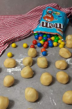 m & m& in cookie dough - these cookies will all be loved - Muffin M & Yes - Chocolate Cheesecake, Homemade Chocolate, Chocolate Peanut Butter, Chocolate Desserts, Chocolate Chip Cookies, Shortbread Recipes, Cheesecake Recipes, Cookie Recipes, Dessert Recipes