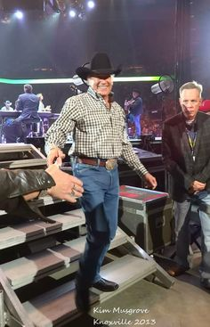 Country Western Singers, Country Musicians, Country Music Artists, Country Men, Top Country, George Strait House, George Strait Family, Baby George, King George