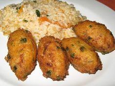 Manjar das Deusas: Pastéis de bacalhau com arroz de tomate