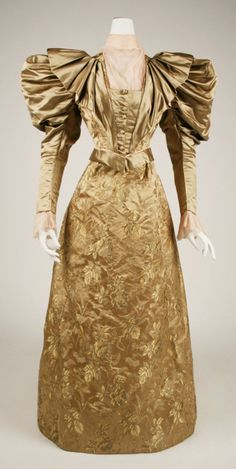 1895 dress from the Institute of Metropolitan Museum of Art. I love the double sleeves and fullness.