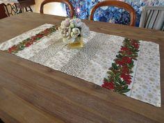 Chemin de table pour déco de noël, style traditionnelle : Accessoires de maison par michka-feemainpassionnement