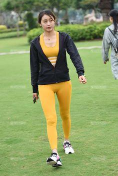 Yoga Pants Girls, Girls In Leggings, Women Wearing Ties, Arab Girls Hijab, Bikini Outfits, Korean Girl Fashion, Fashion Tights, Bodysuit Fashion, Bollywood Girls