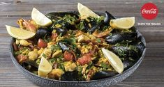 Paella by Greek chef Akis Petretzikis. A delightfully delicious, aromatic dish that is absolutely perfect to serve for your guest and family during the summer! Seafood Bake, Shellfish Recipes, Fish Dishes, Greek Recipes, Paella, Cobb Salad, Potato Salad, Healthy Eating, Ethnic Recipes