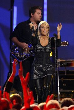 Carrie Underwood - Carrie Underwood Performs Cowboy Casanova