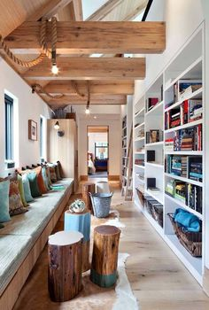 Let's begin to decorate our house beautifully in all the modern way. Decorate the interior of the house with stylish furniture items… Flur Design, Wood Design, Modern Lake House, Rope Decor, Hallway Designs, Modern Hallway, Hallway Decorating, Decorating Ideas, Cottage Decorating
