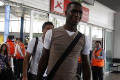 El Milán hace efectiva la compra del defensa colombiano Cristian Zapata  El conjunto italiano pagaría los 6 millones de euros que se estipuló en el contrato de cesión con el equipo español.