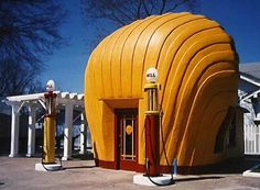 Roadside Attractions - Old Shell Station Winston – Salem N C by Richard Tackett Old Gas Pumps, Vintage Gas Pumps, Shell Gas Station, Pompe A Essence, Las Vegas, Unusual Buildings, Architecture Images, Historical Architecture, Old Gas Stations