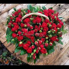Корзинка - Сердце, из мелкоцветковой розы #цветы #розы #мелкоцветковаяроза #красныерозы #корзиныцветов #цветочнаякомпозиция #корзинысцветами #цветыназаказ #доставкацветов #доставкацветовкраснодар #цветочнаякомпозициякраснодар #краснодар #florist123 #zvetochniyvals #цветочныйвальс #цветочныйвальскраснодар #zvetochniyvalskrasnodar #krasnodar #заказатьцветы #заказроз #цветысдоставкой #купитьцветы #купитьцветывкраснодаре #букет #букетназаказ