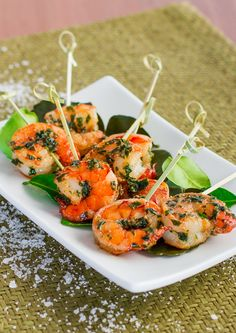Garlic and Parsley Shrimp. Garlic and Parsley Shrimp - the most delicious shrimp you'll ever have Shrimp Recipes, Fish Recipes, Food Shrimp, Yummy Appetizers, Appetizer Recipes, Appetizer Party, Spicy Garlic Shrimp, Garlic Minced, Cooking Recipes