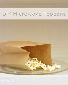 Create DIY microwave popcorn for holiday snacking or to decorate your tree this season! #HolidayIdeaExchange